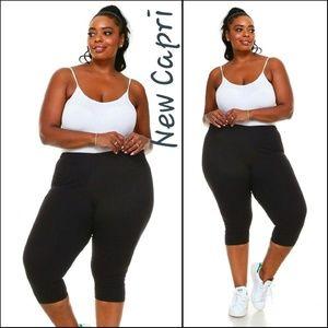 Pants - New Super Cute Black Capri Pants!